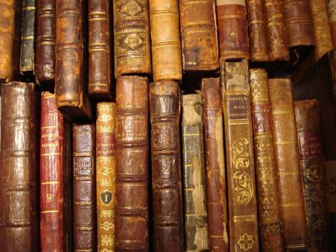 http://www.electrummagazine.com/wp-content/uploads/2011/12/ancient-books.jpg